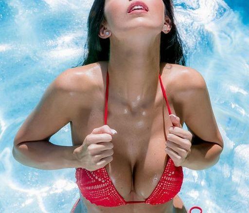 产后女性要怎样预防乳房下垂呢