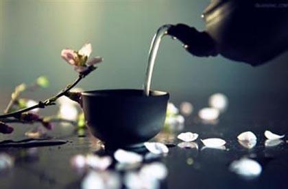 饮茶好处多 白领女性该喝什么茶