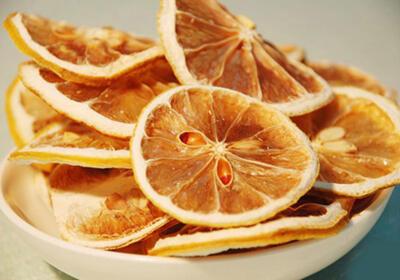 干柠檬片泡水有哪些功效与作用