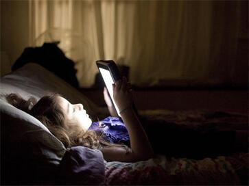 女人们注意啦!开电视睡觉会影响你的生育能力