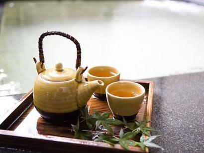 肠胃不好少吃快餐或剩饭 日常养胃可喝丁香茶