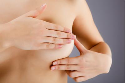 女性可常自检乳房 预防乳腺癌多吃这6类食物