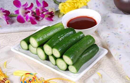 黄瓜这么吃伤身 90%的人常忽视