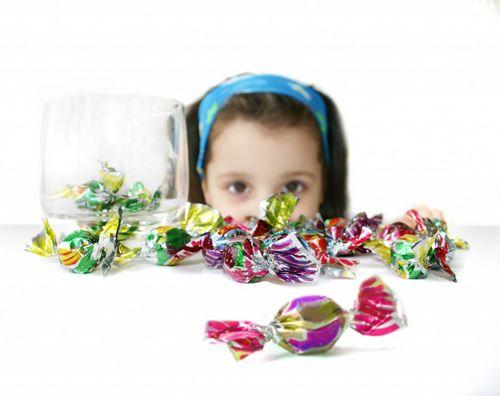 幼童过食零食口臭难闻 皆因肠胃受损所致
