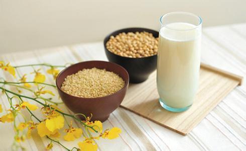 喝豆浆会致乳腺癌?谣传!可防癌