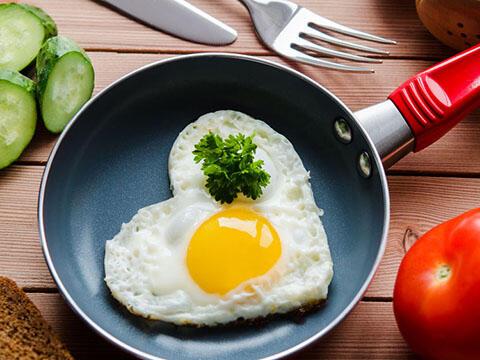糖尿病人每天吃多少碳水化合物合适,是否越少越好?