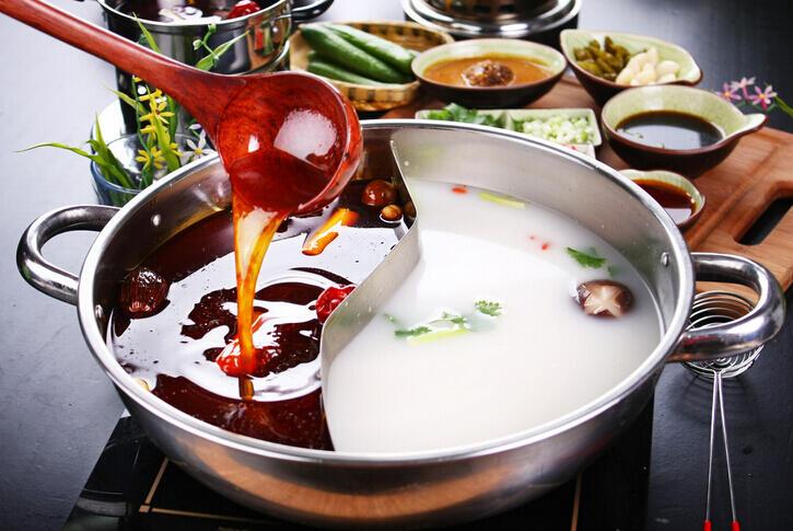 冬季吃火锅虽爽 但需房病从口入!