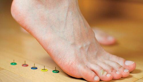 一踩地就脚痛,冬季好发足底筋膜炎