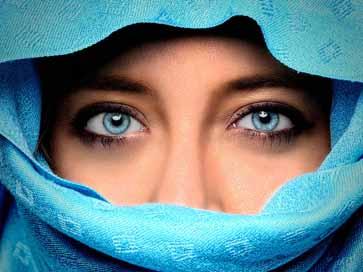 眼白泛黄是怎么回事?教你看眼睛辩疾病