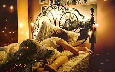 睡眠不足很受伤 睡前吃什么助眠