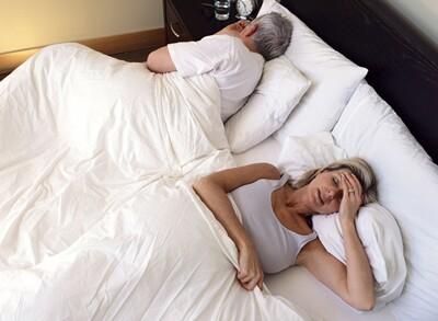 女人更年期头痛是怎么回事