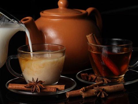 黑糖姜茶vs桂圆红枣茶,手脚冰冷喝哪个