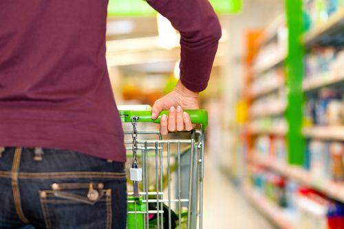 过年想不胖 要熟知食物的营养标签