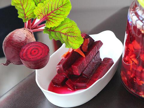 研究:喝甜菜根汁,助老人降血压