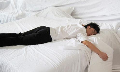 有这7个表现说明你睡不够 需要补眠了