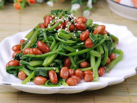 养肝这样吃,菠菜拌花生营养美味