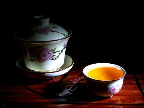 怎么睡也睡不着 你试过助眠茶吗