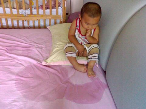 孩子常尿床怎办?搓揉保持肚脐温热是关键