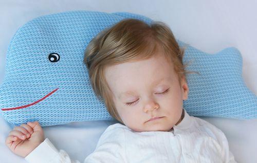 婴儿要用枕头吗?婴儿枕头芯装什么好