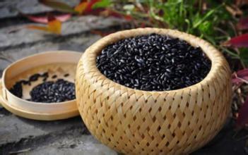 多吃黑米有什么好处?黑米食品DIY