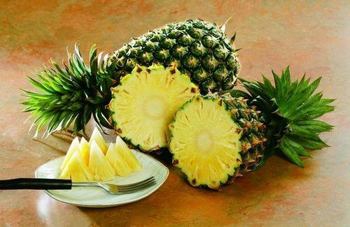为什么吃菠萝前要先用盐水泡过呢