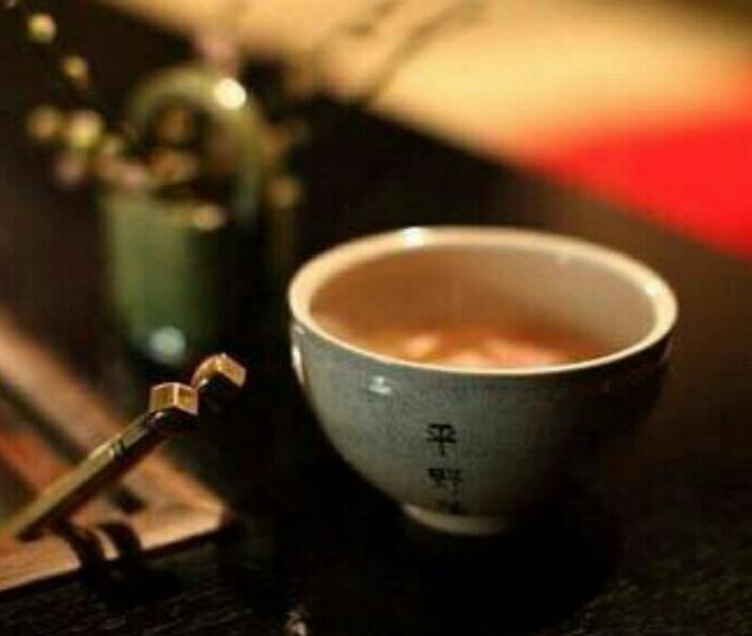 决明子荷叶茶泡法简单 既排毒又降脂