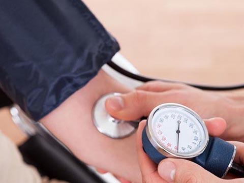 体检发现高血压怎么办?跟着做,不用慌