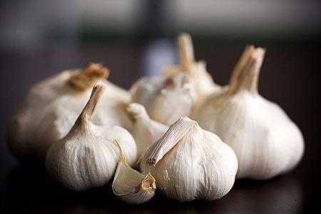 大蒜的蒜素可杀菌防癌增免疫,但你知道怎么吃吗