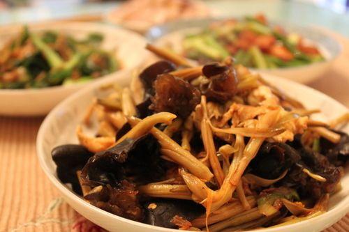 家里的这8种菜,睡不好的人要多吃,简单有效