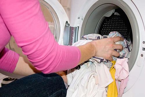 床单、枕头,多久洗一次才对?完整衣物清洗表!