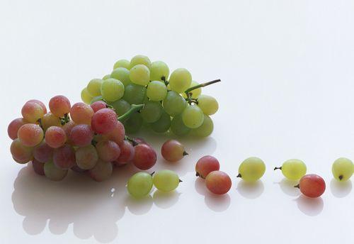 秋天吃葡萄不吐葡萄皮,护心养血管