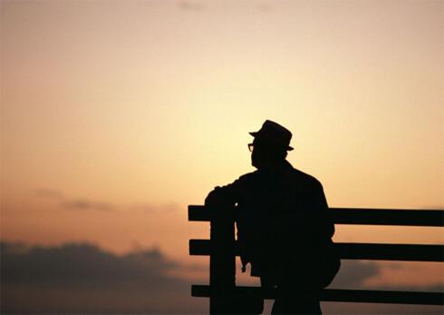 数据显示老人无人陪伴,血管更易老