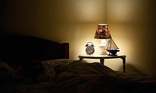 开灯睡觉竟然会长胖?!看完你还想开吗