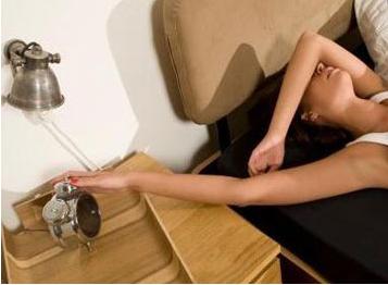 别错过疾病信号,晨起后5症状暗示身体有疾病