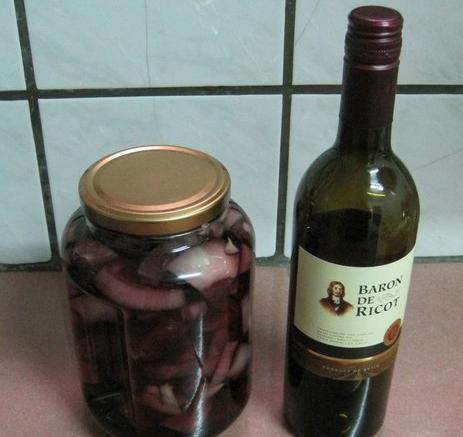 洋葱浸葡萄酒的惊人效果