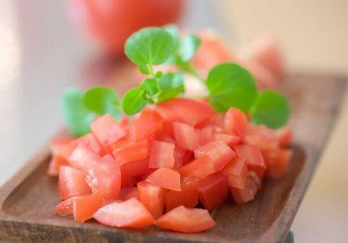 西红柿不仅补维C,男人吃大有好处