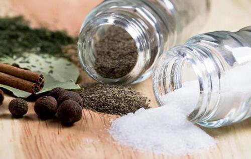 吃太咸,血压飙!巧用味精减少钠盐量