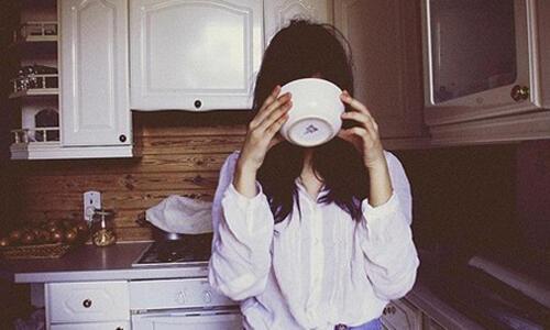 早晨该不该空腹喝水?