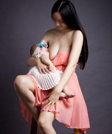 新手妈妈想要奶水足,应让宝宝多吸吮