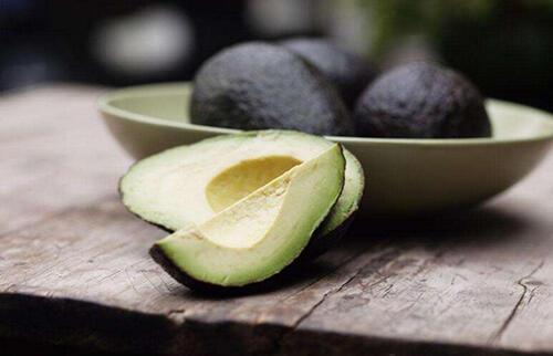 减盐防高血压!吃对4营养素,帮身体排出多余盐分