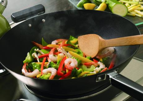 炒菜用味精好还是鸡精好?