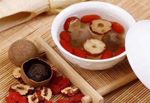 推荐4款红枣补血食疗方,养颜益气