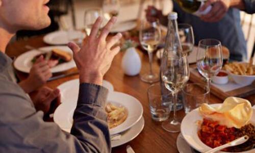 晚餐经常吃太晚,会长胖吗?
