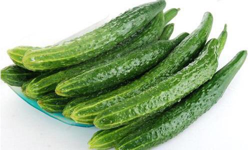 夏天一天吃一根黄瓜,竟然能让女性变成这样