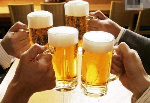 喝啤酒就会长啤酒肚吗?