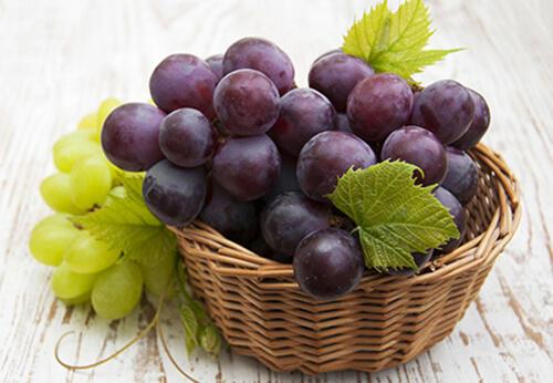 经常吃5种水果,让女人的肌肤变得水嫩嫩